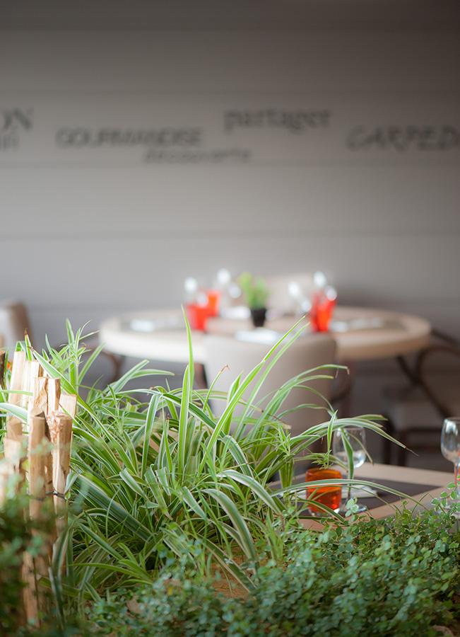 Photo ambiance restaurant Saint Jean de Monts, Photographe professionnel Patrick Barbereau, L'Atelier Photo à Challans en Vendée, Pays de la Loire